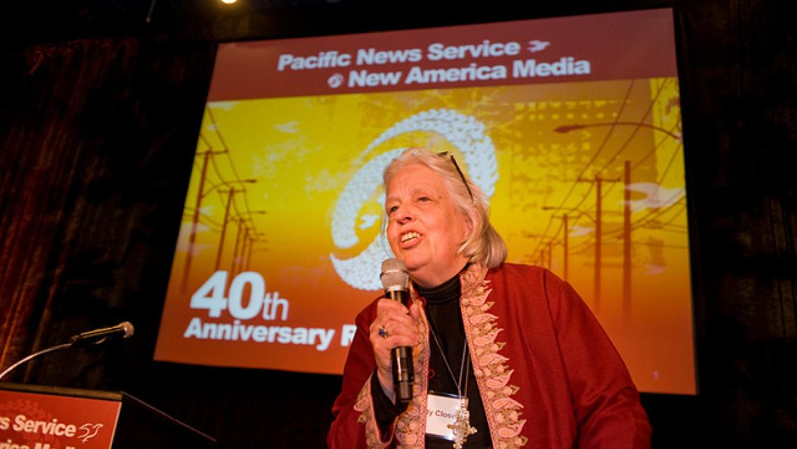 Sandy Close delivers a speech at the 40th anniversary of Pacific News Service in 2010. (Photo: Kevin Chan/New America Media
