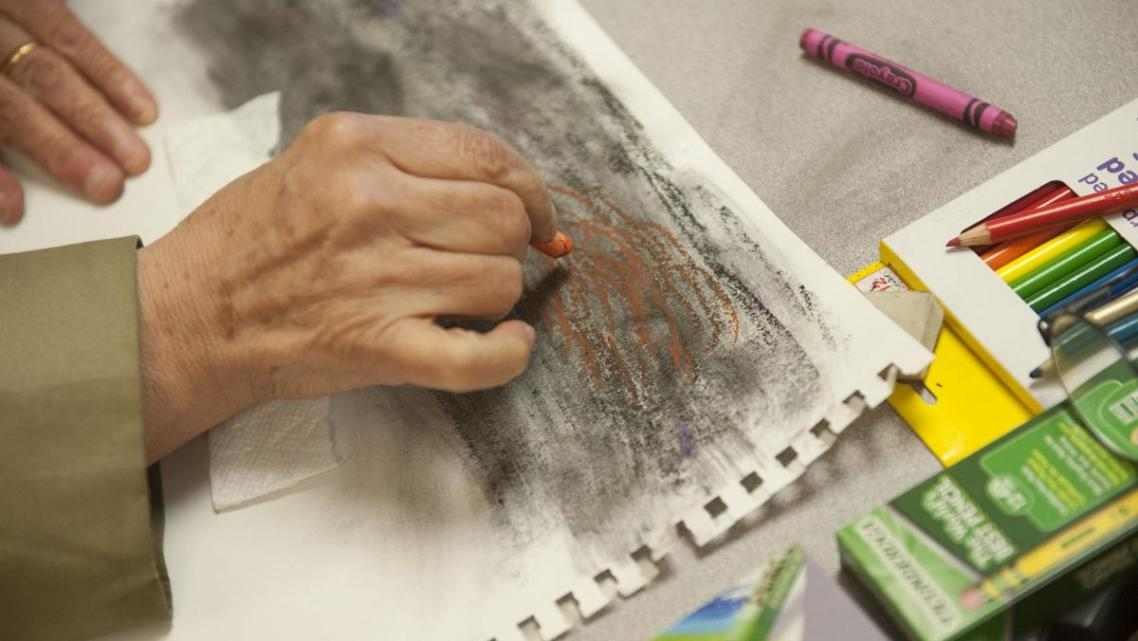 This art workshop at Access California Services in Anaheim helps Arab-Americans, the larger community and refugees.