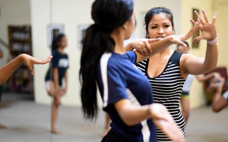Community organizations like Khmer Arts Academy serve the Cambodian American population in Long Beach and Orange County.(Christina House / Los Angeles Times)