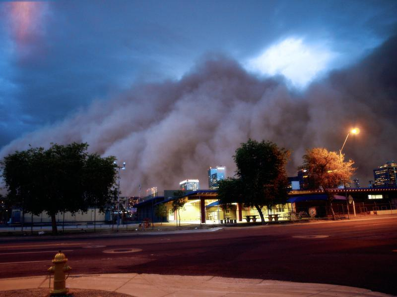 A dust storm hits in Arizona. Credit: Ms. Phoenix/Flickr/CC BY 2.0