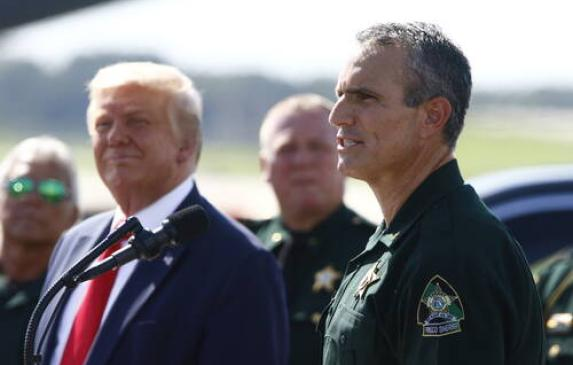President Donald Trump and Sheriff Chris Nocco